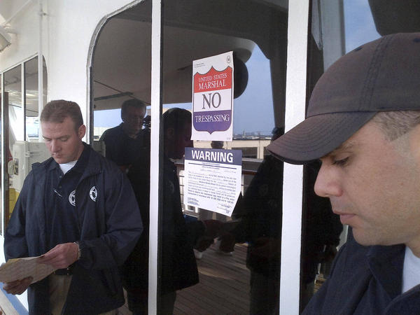 COSTA CONCORDIA_CARNIVAL_TRIUMPH_Arrest_Galveston_Article_Fortunes_de_Mer-02042012.jpg (4)