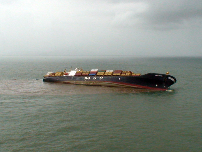 Collision of MSC Chitra and MV Khalijia-III the 7 August 2010